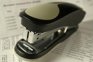756436_stapler_macro
