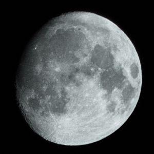 861174_the_moon